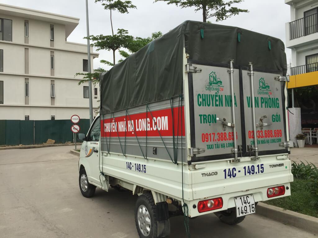 xe tải chở hàng loại 0.7 tấn