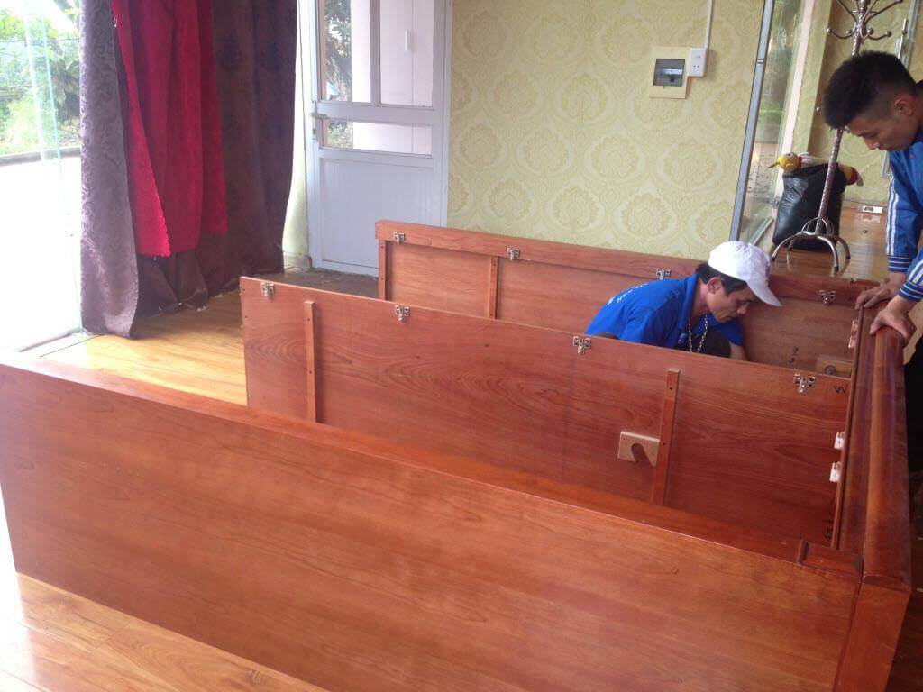 Tháo lắp tủ gỗ Hạ Long