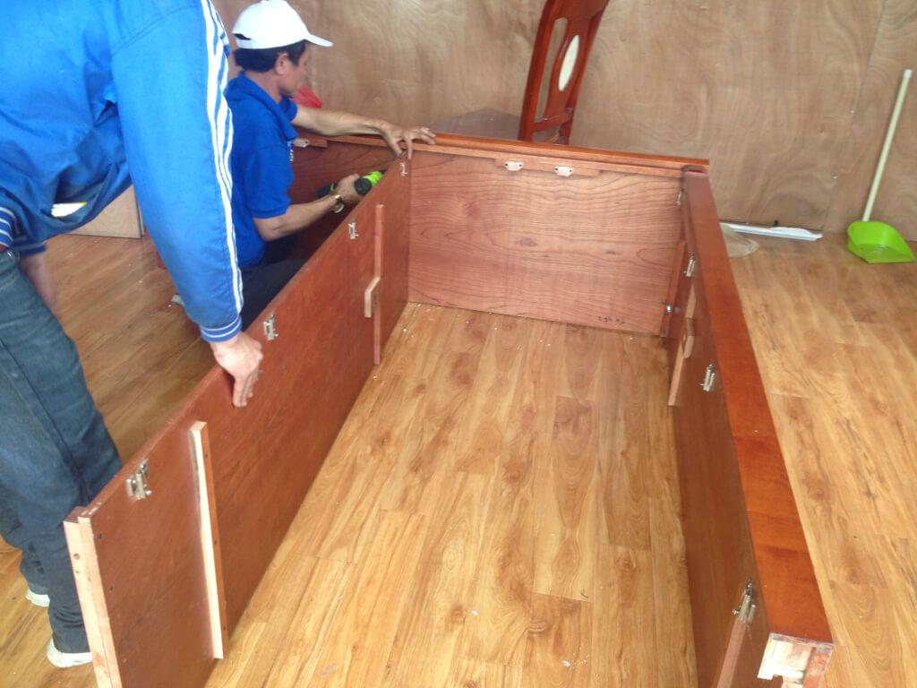 tháo lắp tủ gỗ cẩm phả